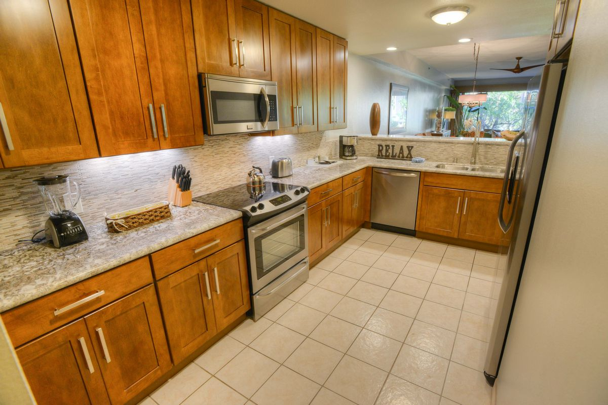 Sands of Kahans, Fully-Equipped Kitchens, Maui Beach Resort